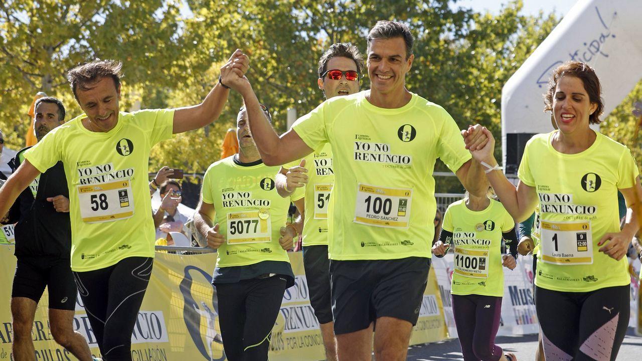 El presidente del Gobierno participó ayer en la carrera de obstáculos «Yo no renuncio», organizada por el Club de las Malasmadres en Alcobendas