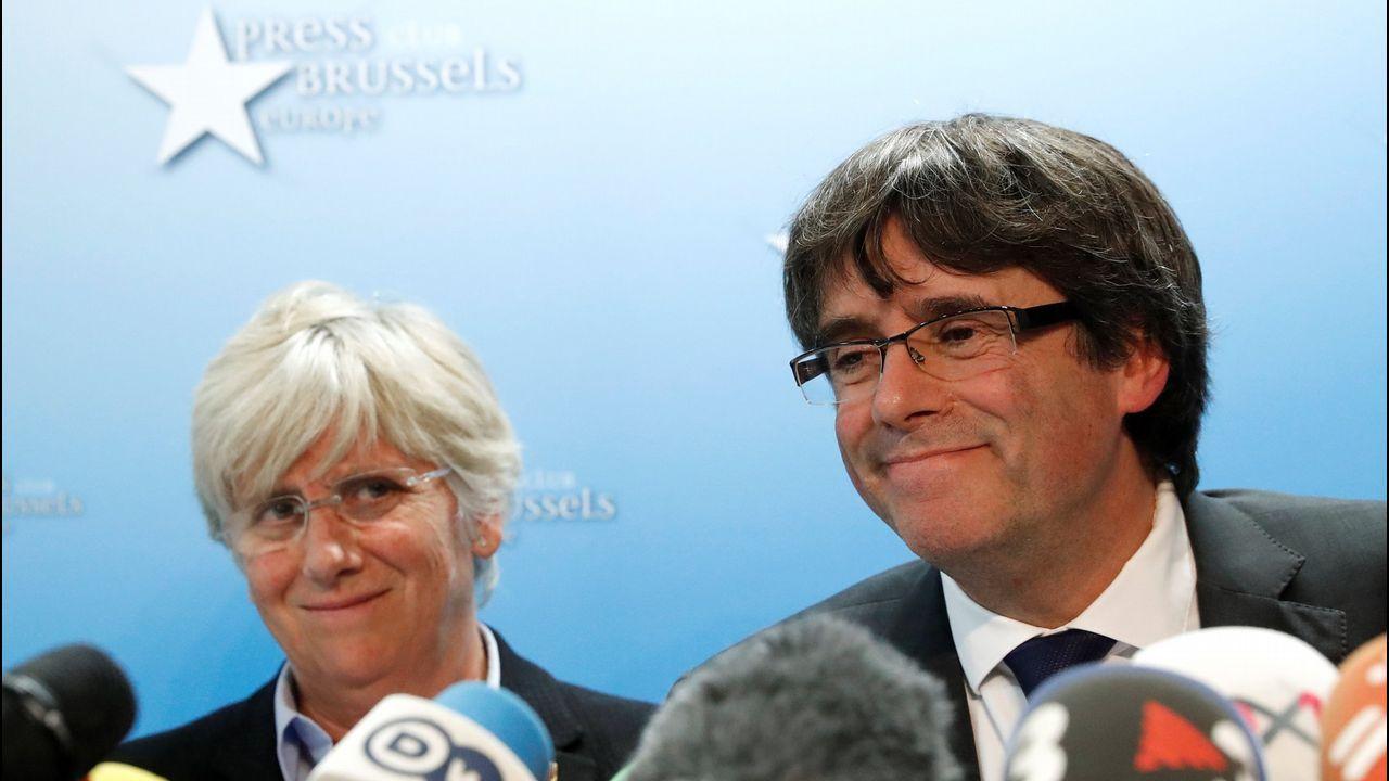 Clara Ponsatí, junto a Carles Puigdemont, en Bruselas