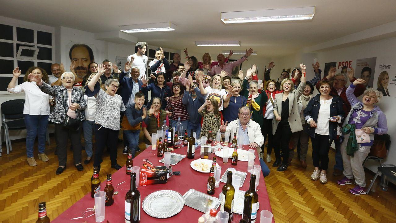 Celebrando la victoria psoe de Viveiro