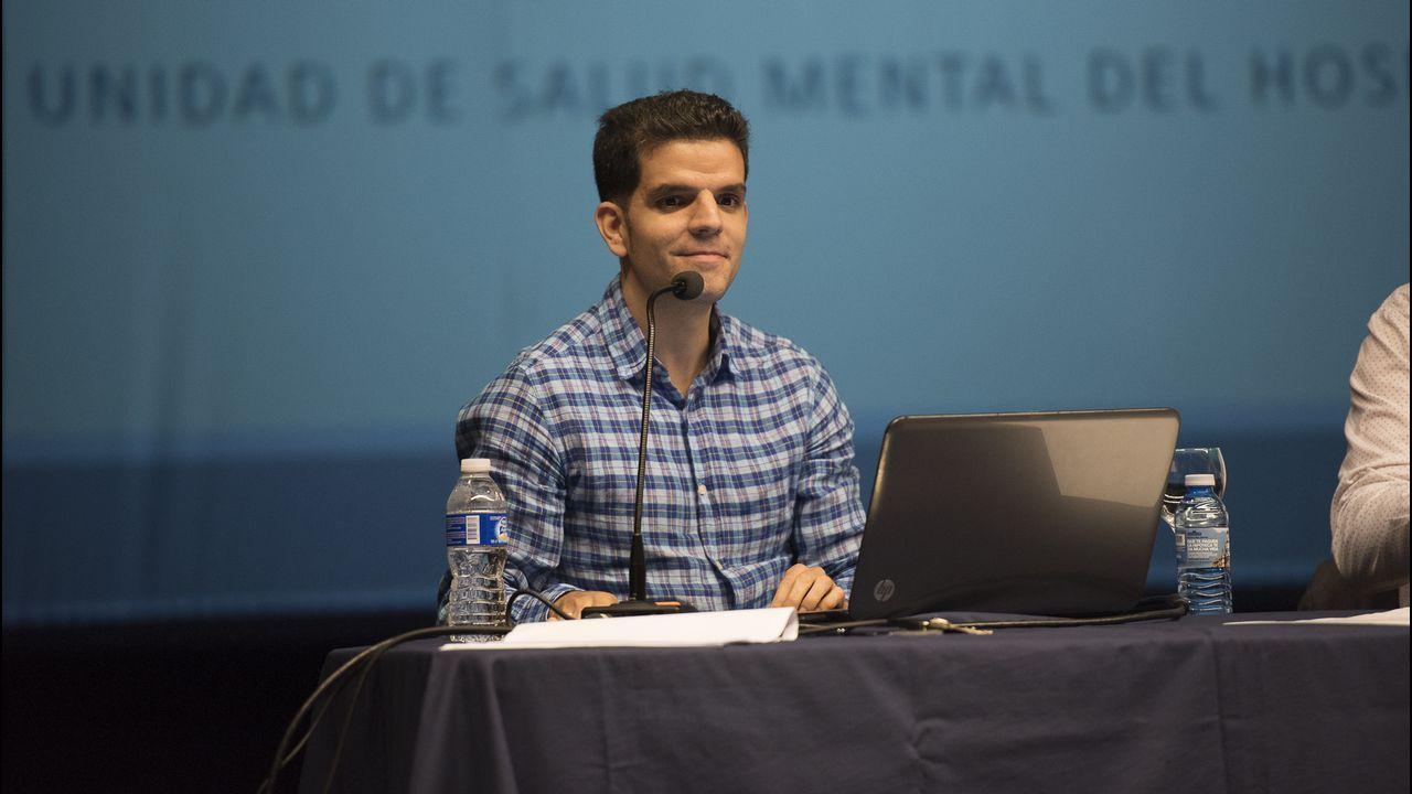 Así fue la visita de Alberto Núñez Feijóo a Zas y Baio.Charla del psiquiatra del Hospital en la semana del alzhéimer organizada por la entidad