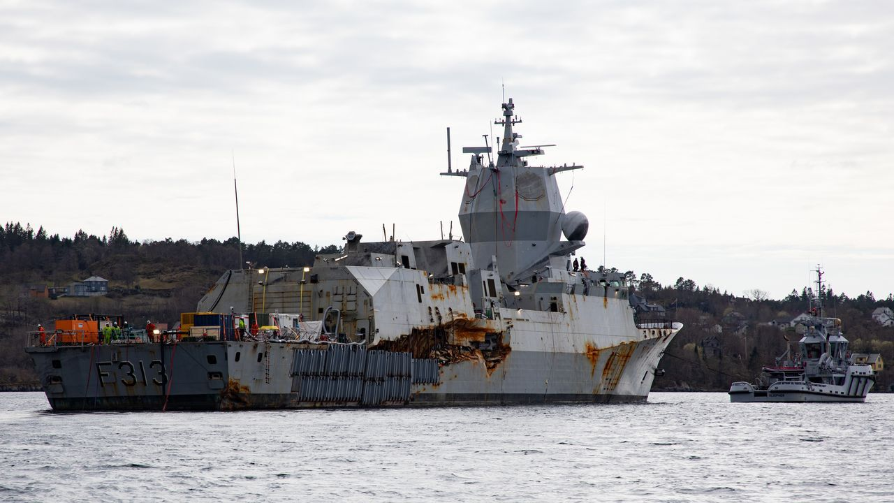 La sutura que mantiene de nuevo a flote la fragata noruega Helge Ingstad