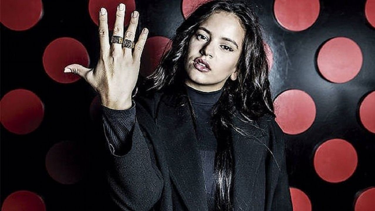 Penélopez Cruz, protagonista en los Premios César.Luz Casal en la portada de su nuevo disco, 'Que corra el aire'