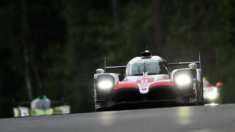 .El Toyota de Fernando Alonso en sus primeros momentos al volante en Le Mans