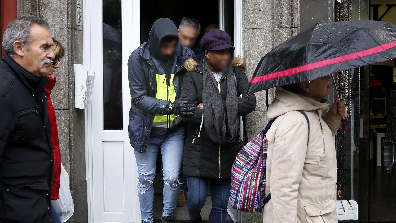 ¿Que opinan los adolescentes ourensanos del porno?.La escultura 'La madre del emigrante', en Gijón