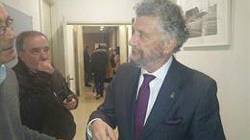 Una tromba de agua provoca pequeñas inundaciones en Vilagarcía.El presidente de la Federación Asturiana de Concejos (FACC) y actual alcalde de Navia, Ignacio García Palacios