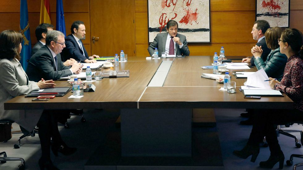 Javier Fernández preside un consejo de Gobierno del Principado.Javier Fernández preside un consejo de Gobierno del Principado