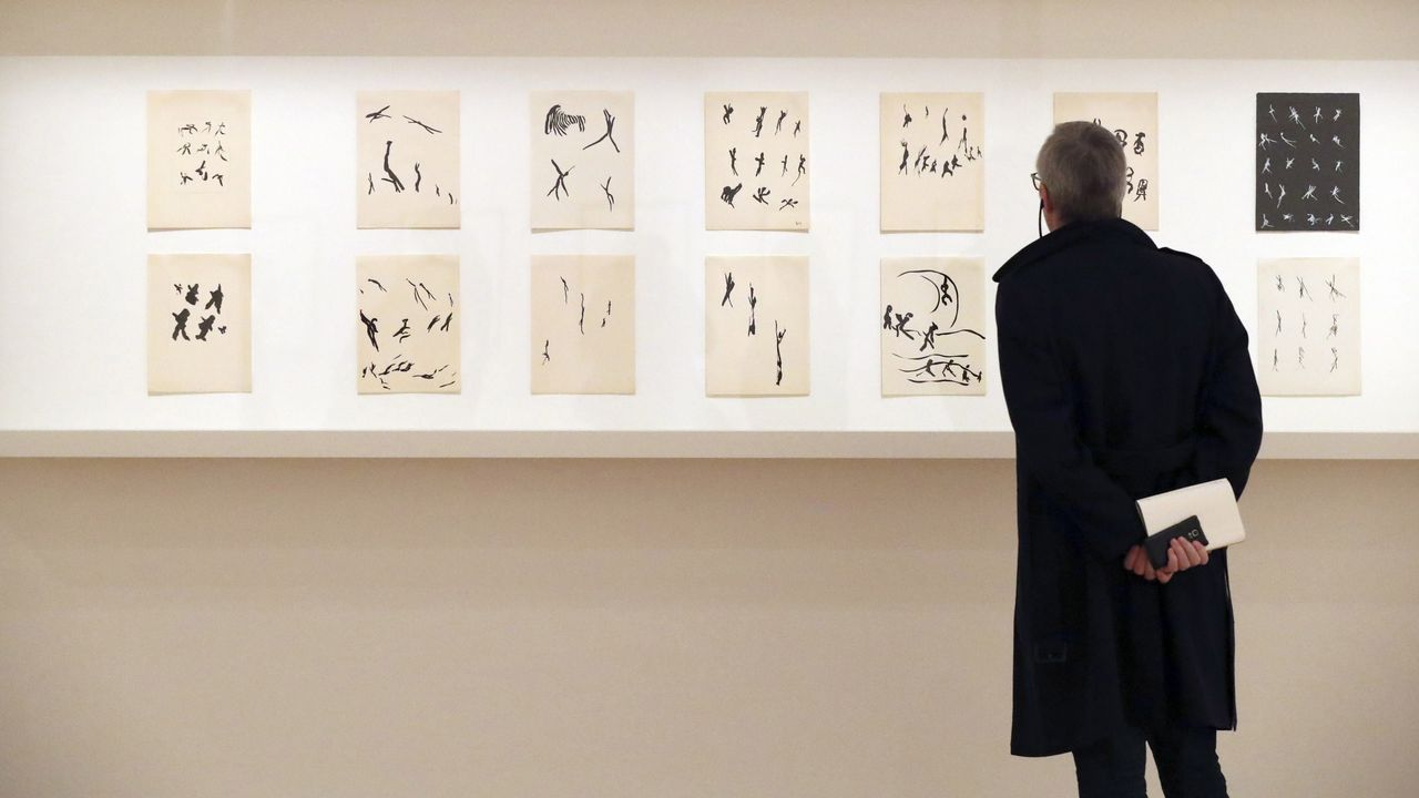 Anxo Fariña adoita a escribir e ilustrar as historias da súa autoría, como Os Megatoxos
