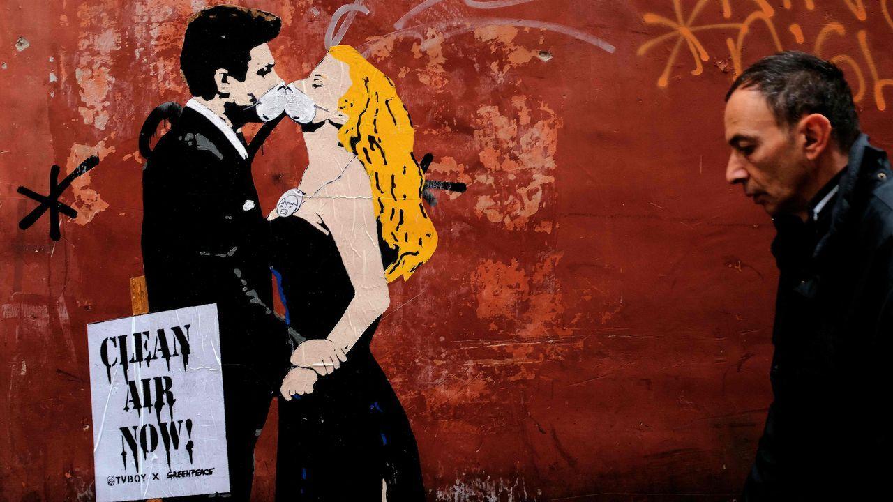 Greenpeace reinterpreta «La Dolce Vita» en este mural de Roma