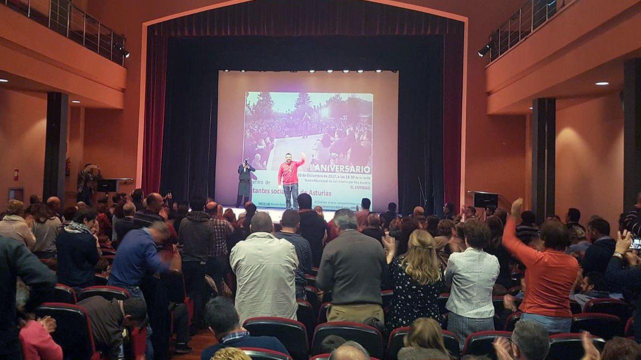 Adrián Barbón interviene en El Entrego, en un acto que conmemora el primera aniversario del encuentro de Pedro Sánchez con la militancia.Adrián Barbón interviene en El Entrego, en un acto que conmemora el primera aniversario del encuentro de Pedro Sánchez con la militancia