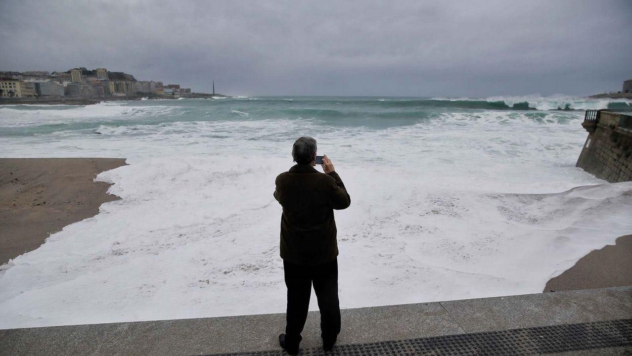 El Atlántico llega hasta el paseo de la ciudad herculina
