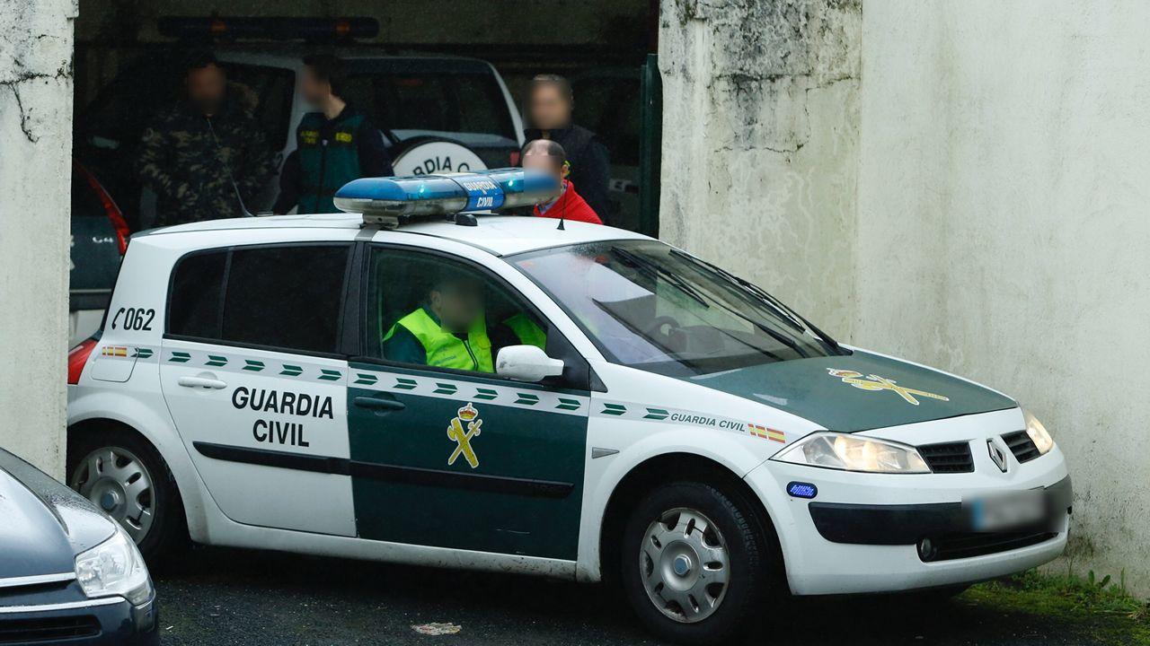 .Salida del cuartel de la Guardia Civil de Padrón del sospechoso por la desaparición de Diana Quer