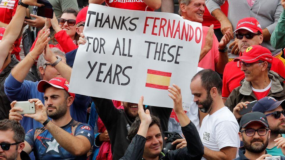 .El público de Monza animó a Fernando Alonso