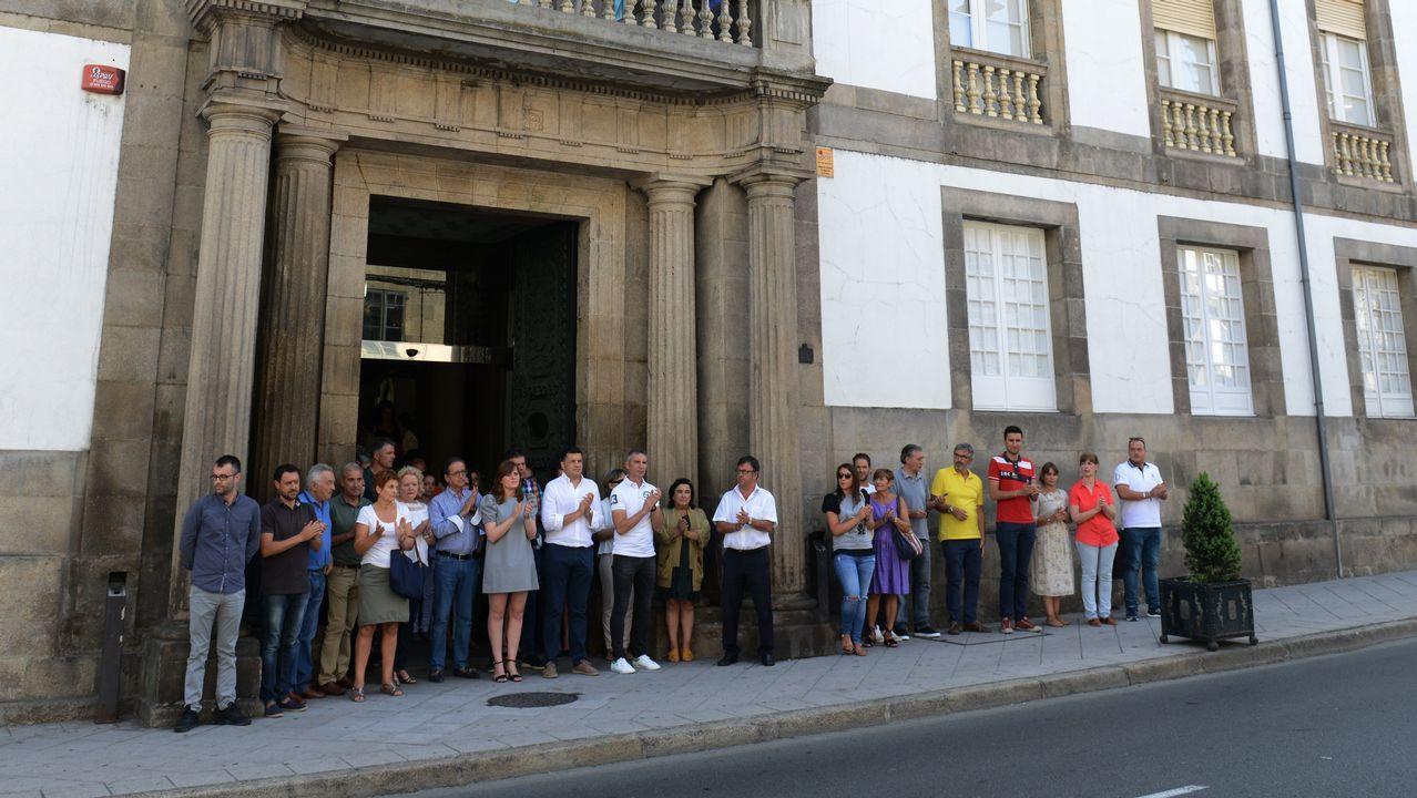 .Concentración en la Diputación de Ourense con motivo del atentado terrorista en Barcelona
