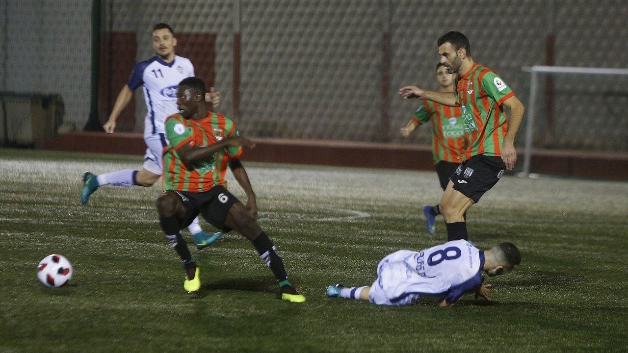 Rozada Vetusta Tudelano Requexon.Lucas Ahijado y Jimmy celebran el primer gol ante el Real Unión