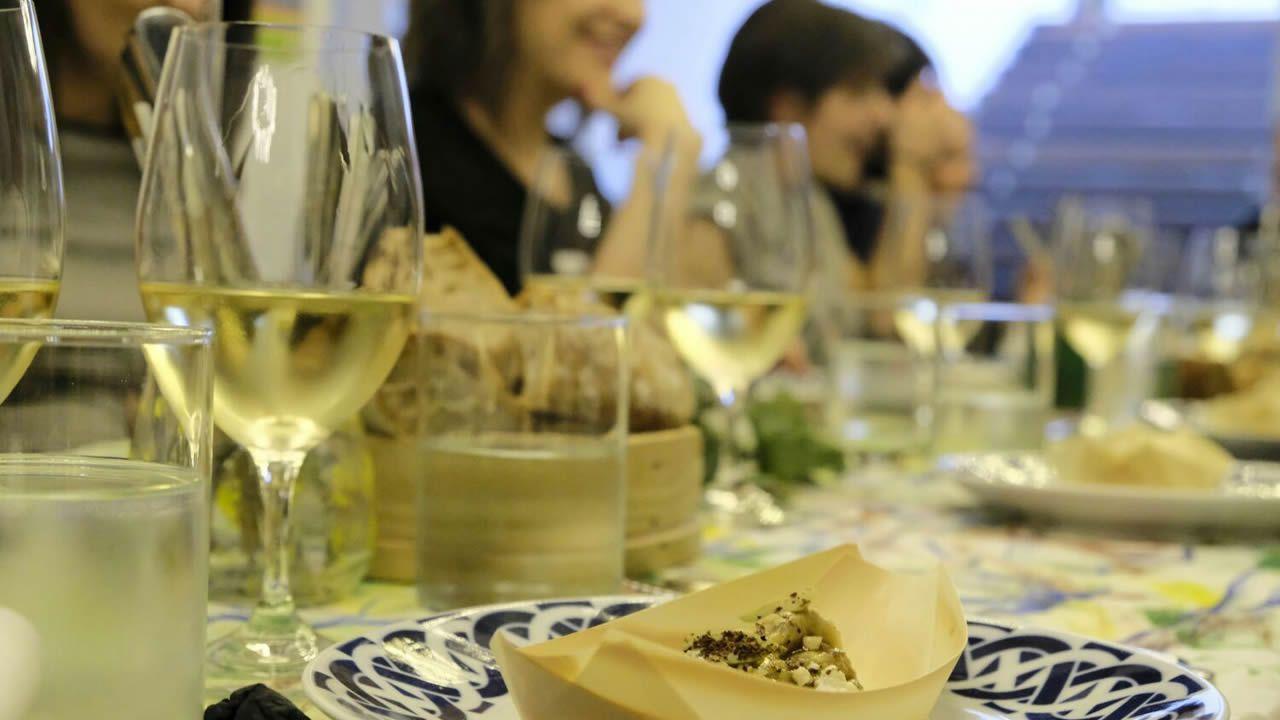 Primera cena clandestina organizada en noviembre en Santiago