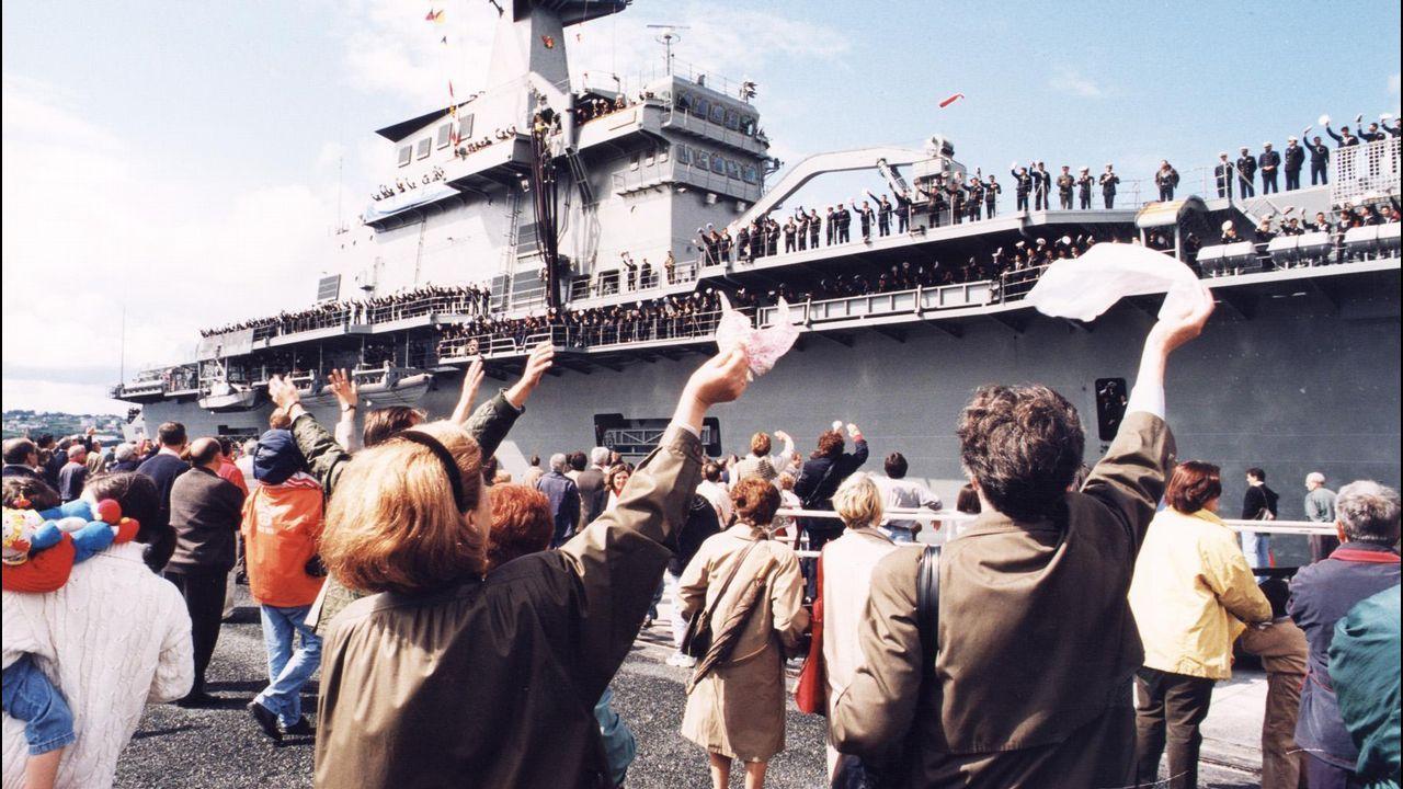 En mayo del 97, dos meses después del acto de entrega, muchos ferrolanos acudieron a los muelles comerciales para despedir al buque y su tripulación
