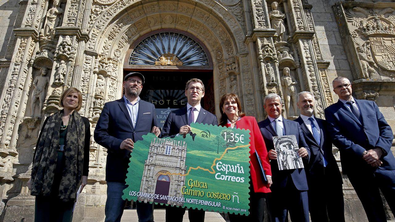 El Hostal dos Reis Católicos, imagen del último sello postal del Camino.Santa Cristina de Lena