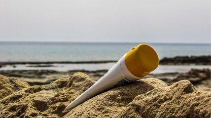 El uso de cremas protectoras es elemental para frenar los casos de cáncer de piel, que aumentan a un ritmo del 10 % al año en España