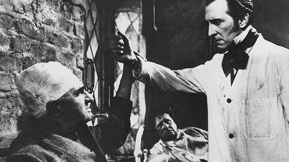 Escena da película «A vinganza de Frankenstein»