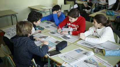 En moitos institutos de Galicia, os alumnos que participan en Prensa-Escuela empregan o xornal como unha ferramenta didáctica máis