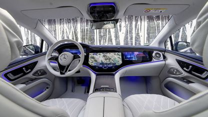 Global Communications Mercedes-Benz Cars & Vans photo by Deniz Calagan