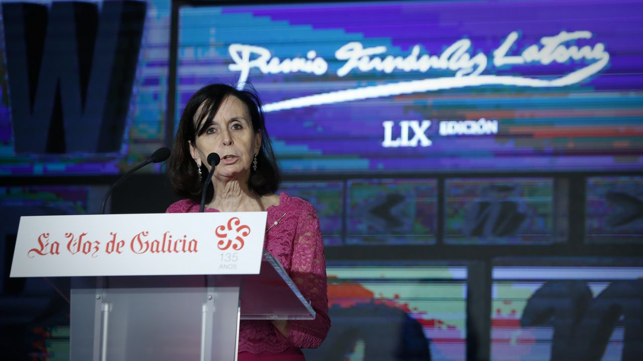 Un premio para unir a dos países hermanos.Un nuevo partido: en 1983, en campaña con un partido de centro galleguista