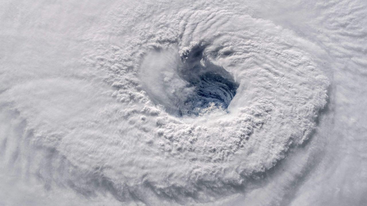 Una vista aérea del huracán Florence, que tocará tierra a lo largo de este miércoles.