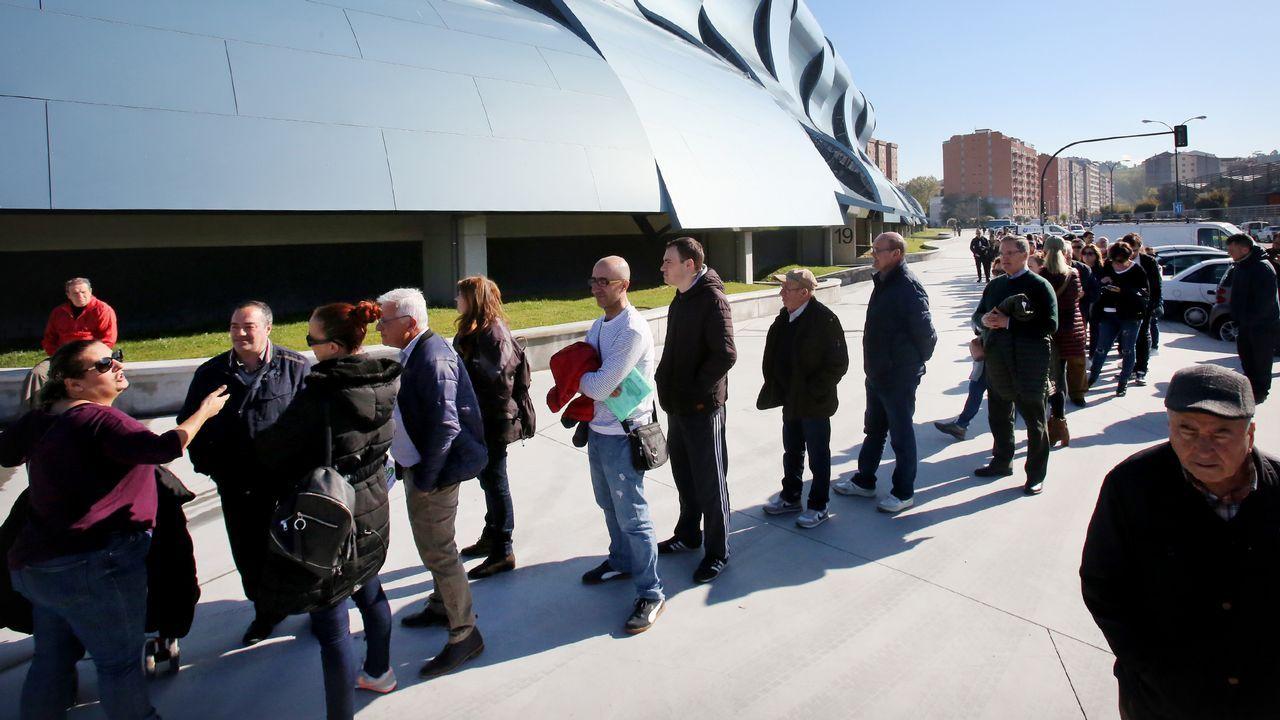 Comisiones y UGT salen en Vigo a la calle contra la reforma laboral.Concentración en Vigo