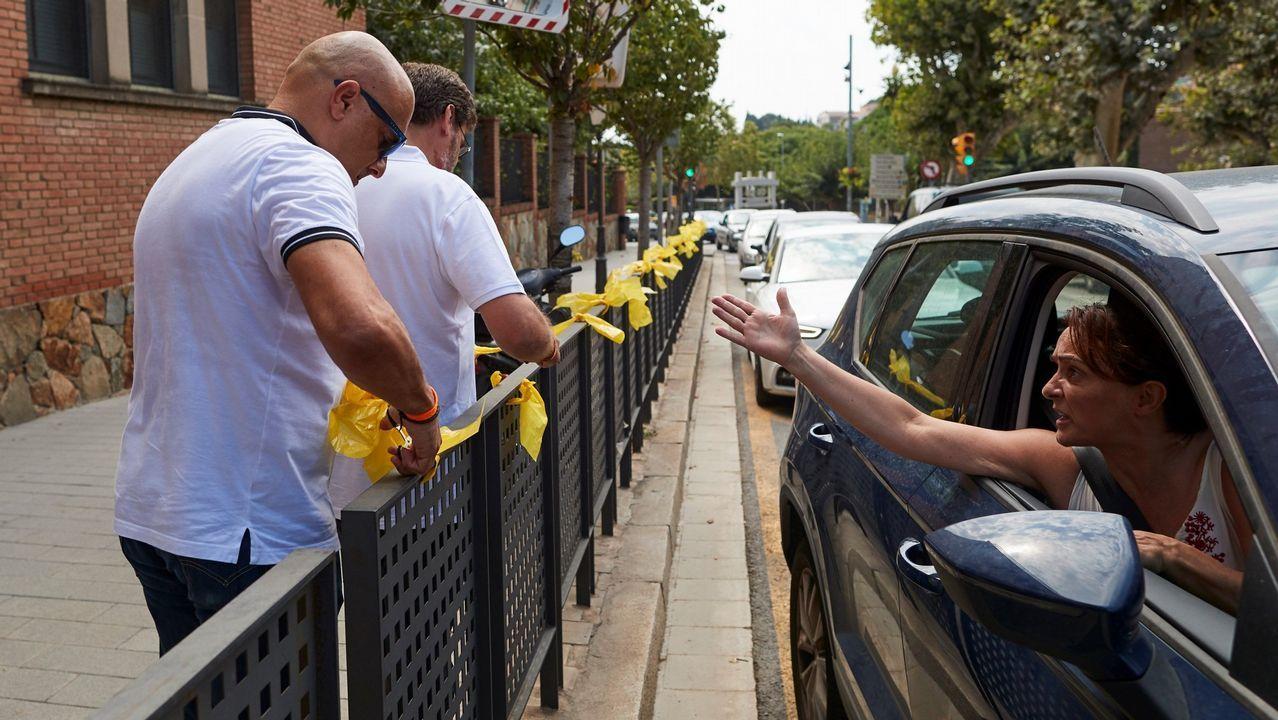 .Retirada de lazos amarillos en Cataluña