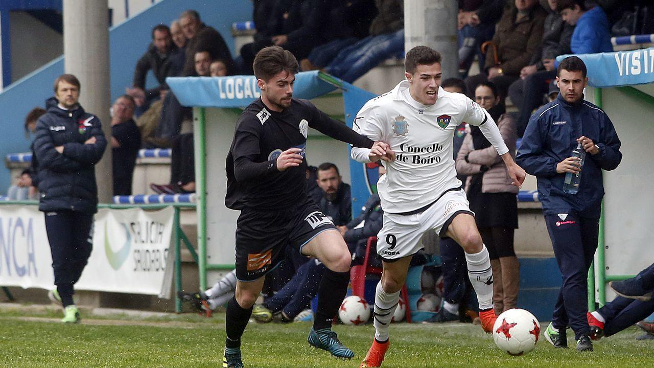 Partido de Tercera División entre el Boiro y el Ourense CF.