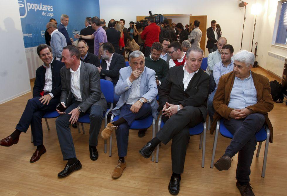 Los asistentes a la reunión de la dirección provincial del PP no fueron especialmente críticos.