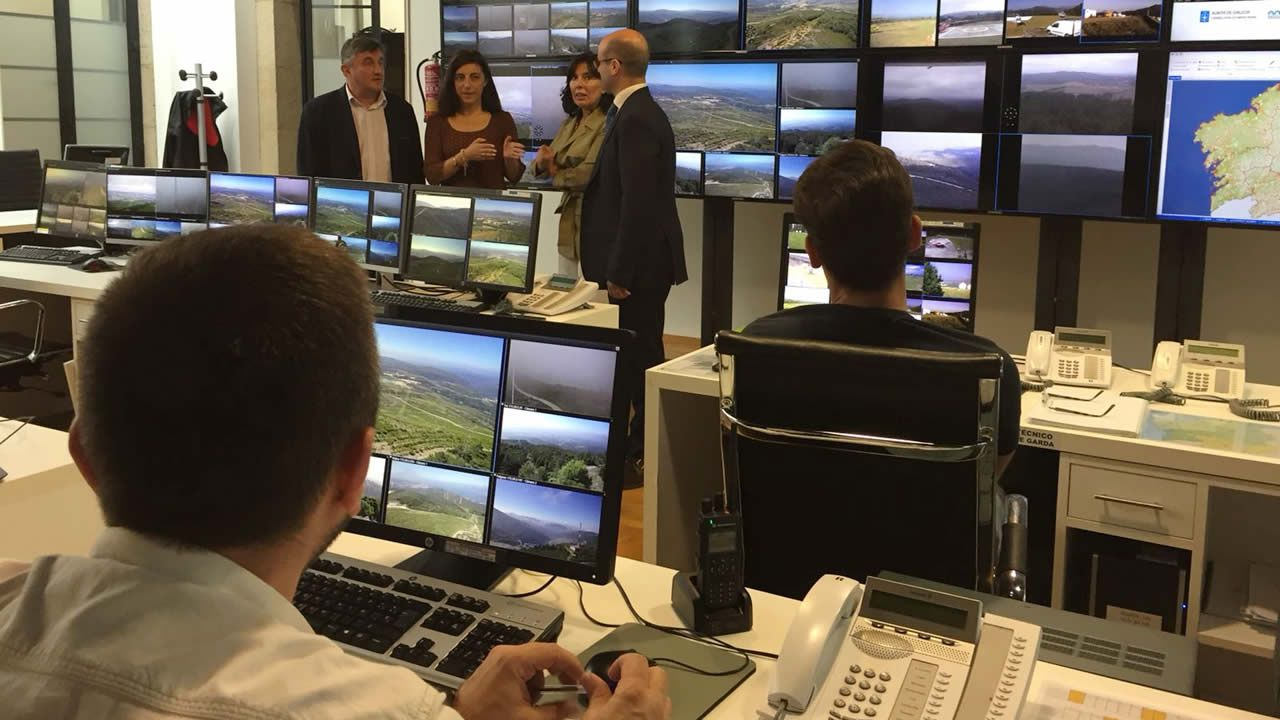 Así son las cámaras que vigilan el monte gallego