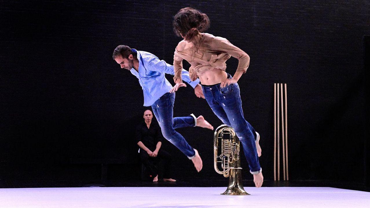 «La desnudez» cuenta con dos bailarines y un músico en directo