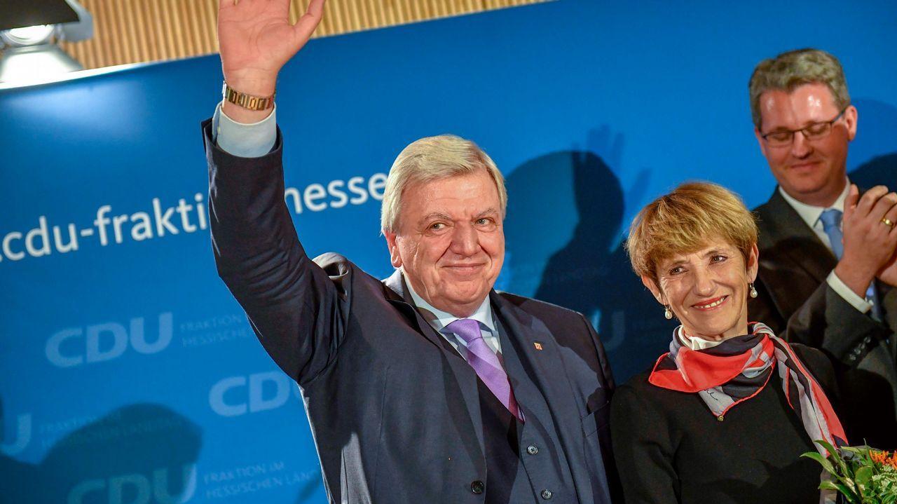El candidato del partido de Merkel (CSU), Volker Bouffier, en Hesse