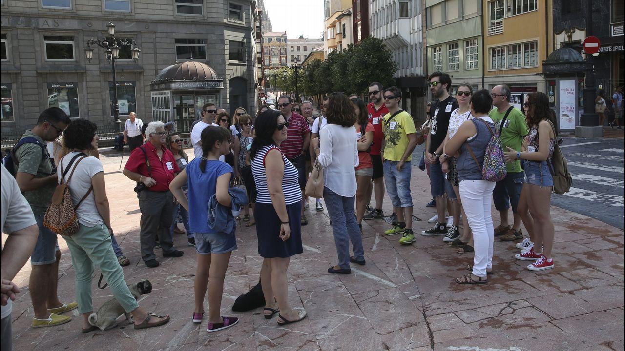 Miles de personas participaron en la Preba de la Sidra de Gascona.Campaña de información de los presupuestos participativos en Oviedo