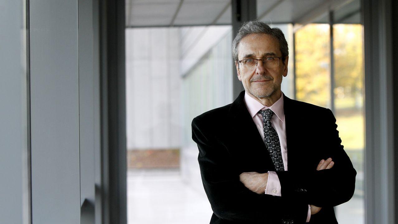 La universidad que navega en Ferrol.Luis Sanz Menéndez ha sido director del Instituto de Políticas y Bienes Públicos del CSIC