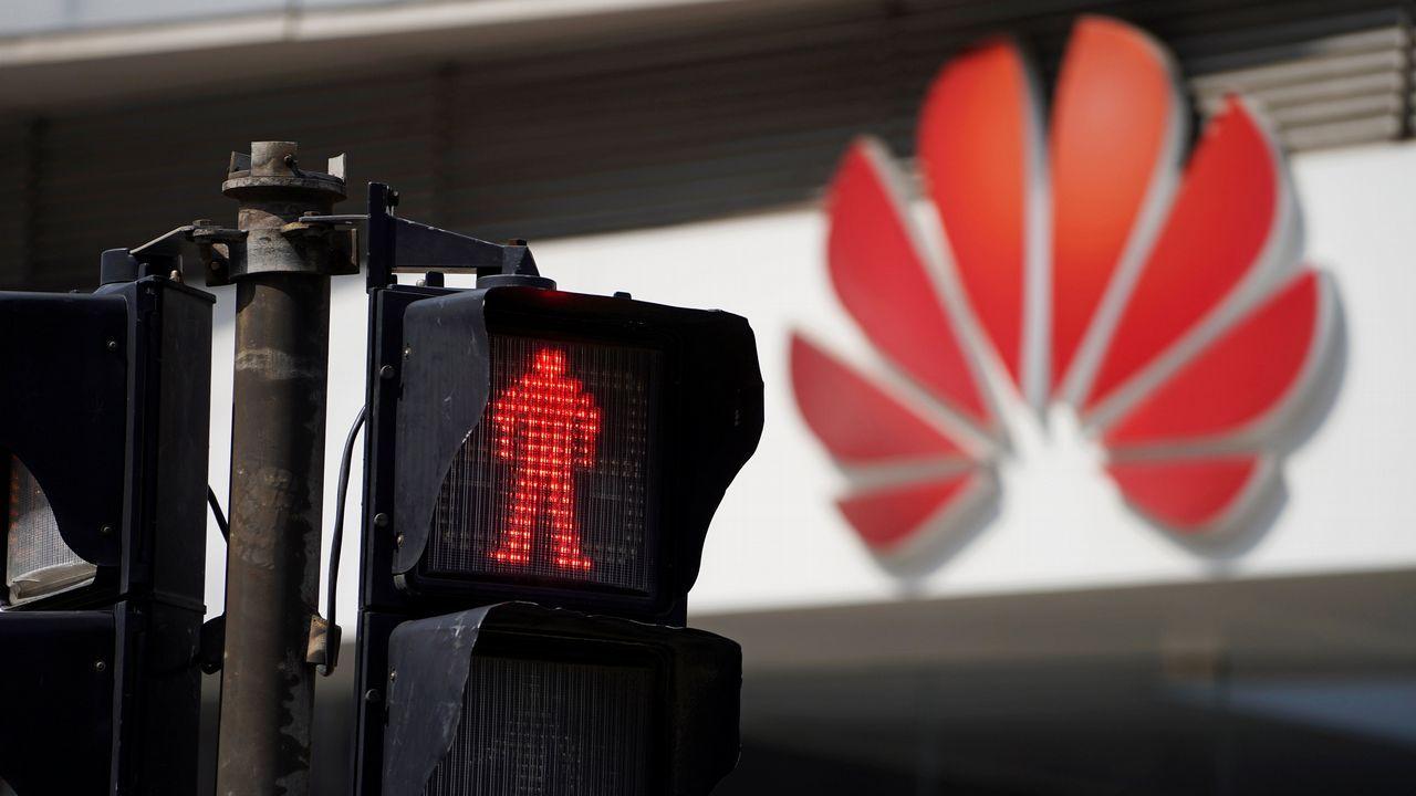 El presidente rotativo de Huawei, Guo Ping, informó en una rueda de prensa sobre las acciones judiciales tomadas por la compañía