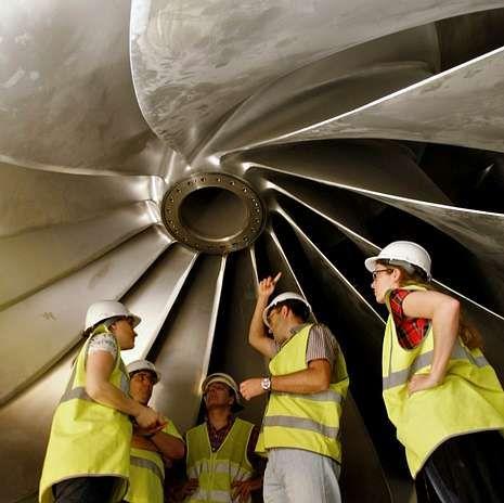 La fábrica en imágenes.<span lang= es-es >Turbina</span>. La de San Esteban II es una de las dos más potentes de la Europa occidental. El caudal nominal es de 200 megavatios por segundo.