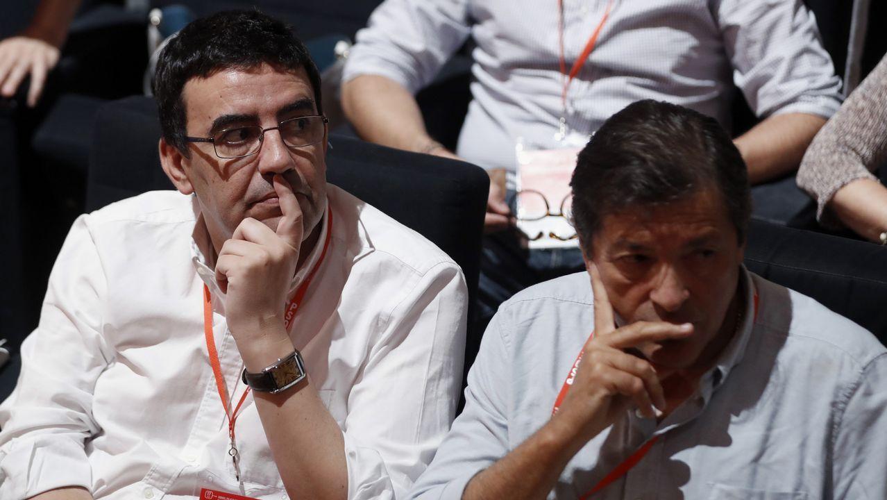 Mario Jiménez, portavoz de la Gestora del PSOE, y Javier Fernández, presidente de este órgano