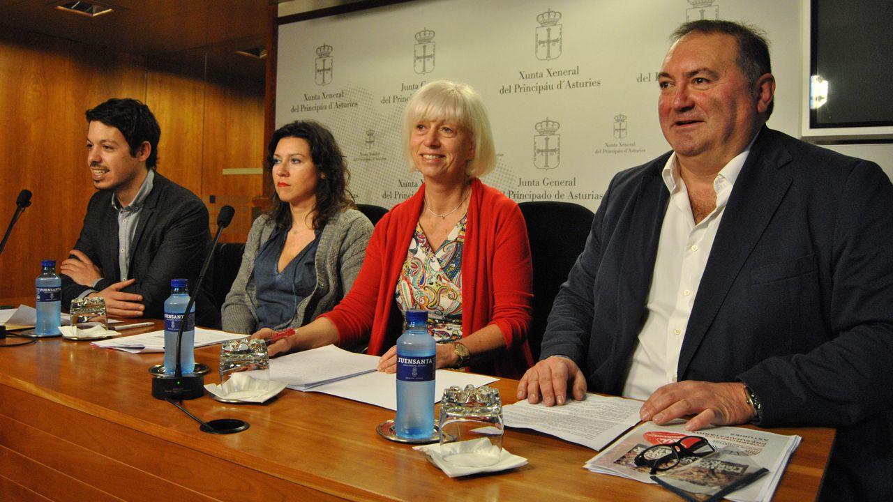 El Polígono: 40 años haciendobarrio.Segundo González (i), Nuria Rodríguez, Concha Masa y Ramón Argüelles