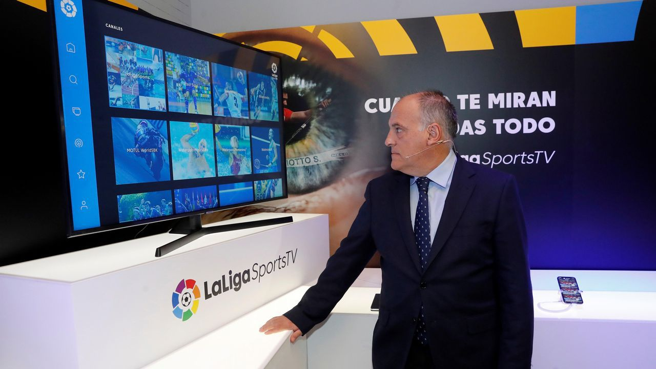 Jorge Menendez Vallina Junta Accionistas Real Oviedo.Javier Tebas, en la presentación de la nueva plataforma