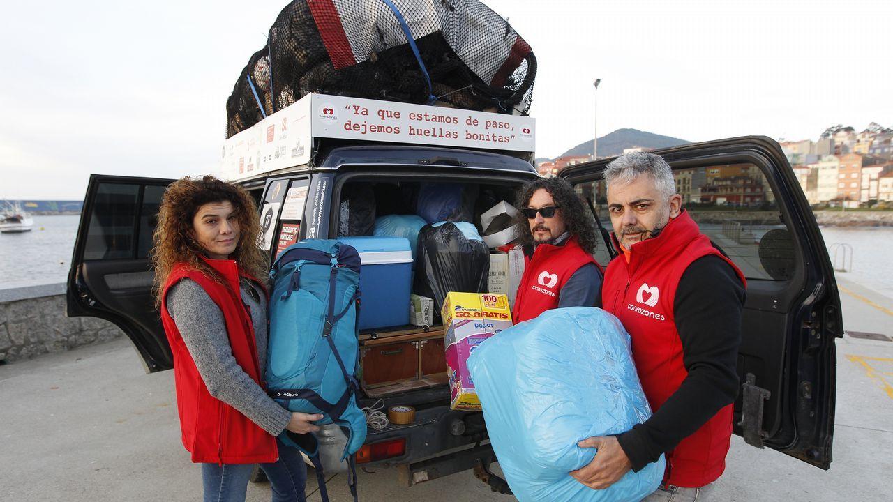 2.000 kilos de ayuda para Marruecos.Maletas en el aeropuerto