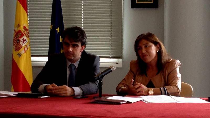 Diego Calvo y Betraiz Mato, tras la firma del acuerdo