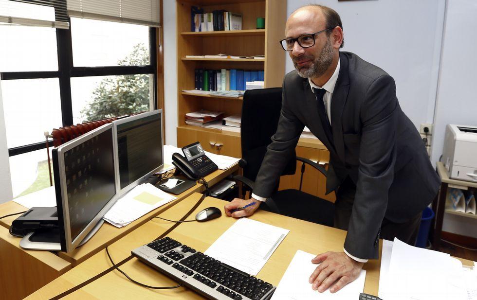Sanción de 151.000 euros a Javier Bardem por defraudar a Hacienda.El Padre Ángel, junto al «Pelobús», en Gijón