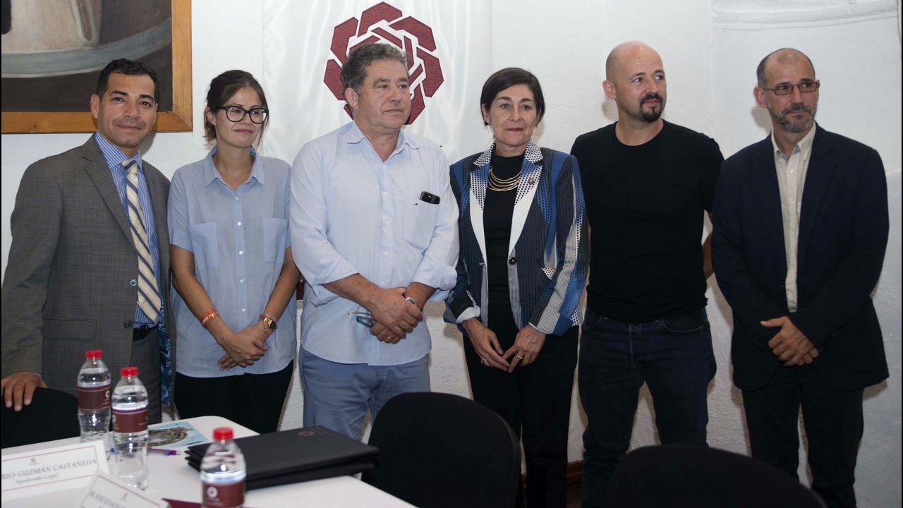 La delegación del CIFP Compostela que sirvió en la Expo92 se reencontró en Lamas de Abade.Nacho Manzano, entre sus hermanas Sandra y Esther