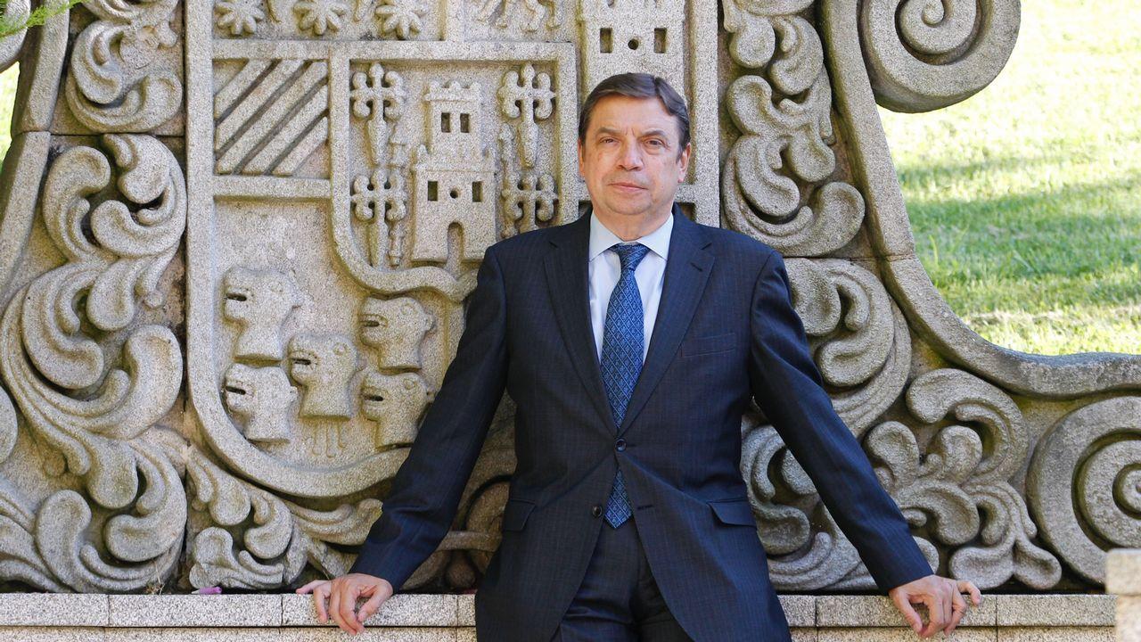 Entrega de los Premios Exceleite en Vilalba.El ministro, poco antes de participar este lunes en las jornadas de Conxemar en Vigo