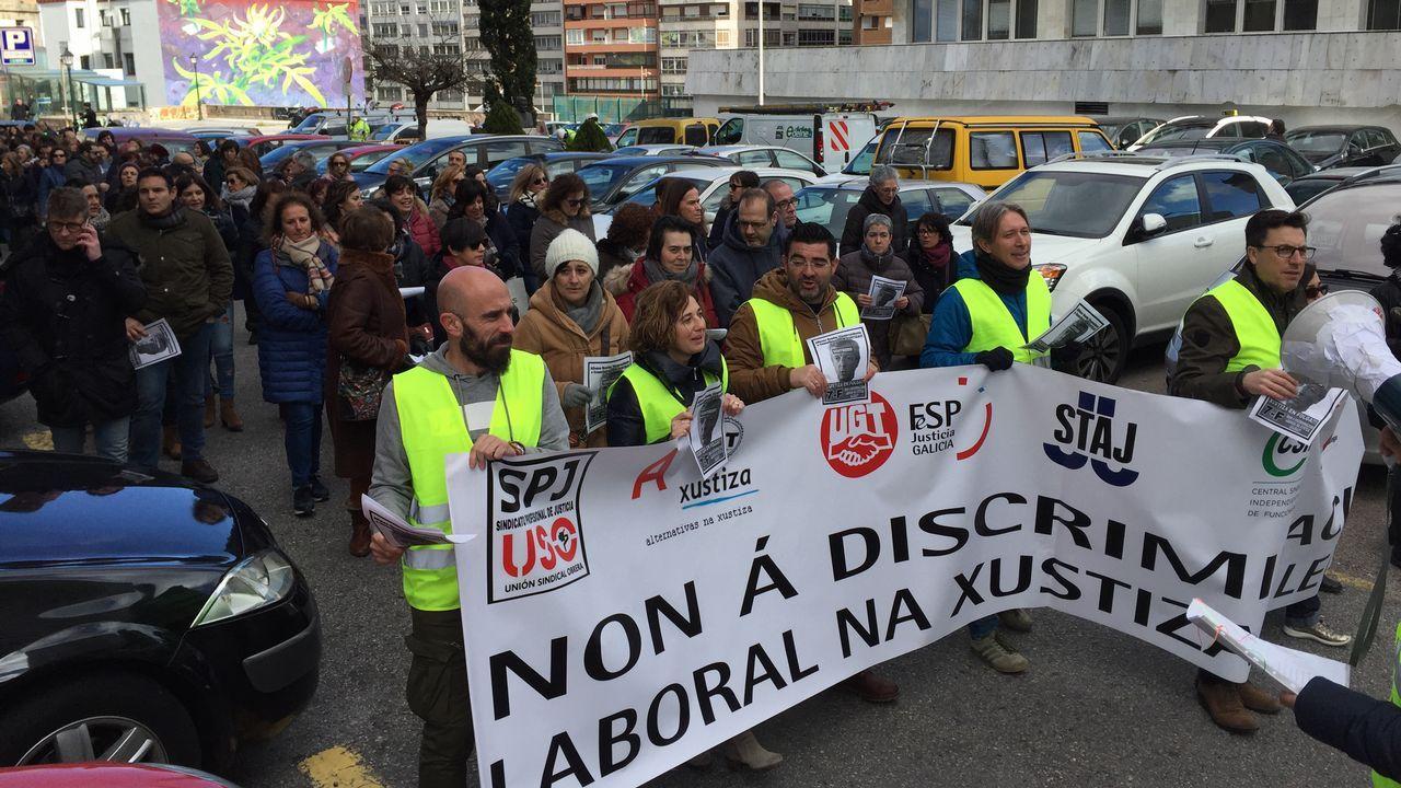 Manifestación de funcionarios judiciales en Lalín