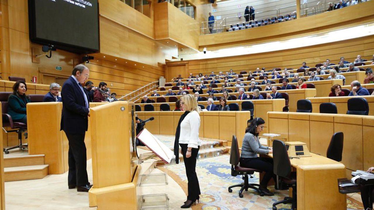Guadalupe Casanova toma posesión de su escaño como senadora