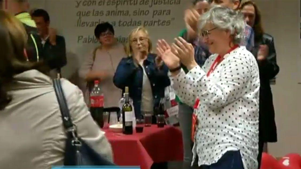 Ana González celebra los resultados electorales en la Casa del Pueblo