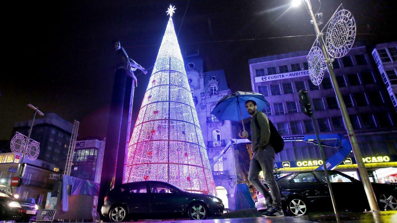 Seis millones de bombillas iluminan la navidad en vigo for Decoracion vigo